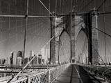 On The Brooklyn Bridge - Arches, Cables, Manhattan View, Day Muursticker van Henri Silberman
