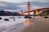 Sunset at Marshall Beach, Golden Gate Bridge, San Francisco California Lámina fotográfica por Vincent James