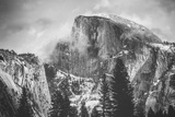Misty Half Dome at Yosemite, California Lámina fotográfica por Vincent James