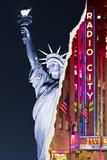 Dual Torn Posters Series - New York City Valokuvavedos tekijänä Philippe Hugonnard