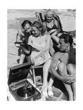 Badegäste am Strandbad Wannsee hören Musik, 1938 Photographic Print by  Süddeutsche Zeitung Photo