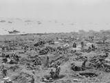 Marines in Foxholes on the Southeast Edge of Motoyama Airfield 1, Iwo Jima Foto
