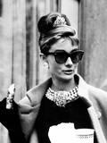 Breakfast at Tiffany's, Audrey Hepburn Eating Between Scenes on Set, 1961 Photographie