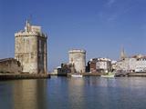 Tours de la Rochelle vues du port Reproduction photographique par Philippe Berthé