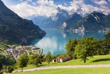 Lake Lucerne Valokuvavedos tekijänä Frank Lukasseck
