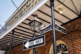 Bourbon Street Sign Lámina fotográfica por Fotoluminate LLC