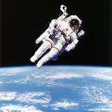 Us Astronaut Bruce Mccandless Spacewalking, 1984 Reproduction photographique