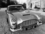 James Bond's Aston Martin DB5, Used in the Film Goldfinger Premium fotografisk trykk