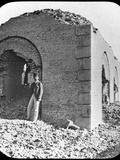 The Ruins of the Mahdi's Tomb in Omdurman, Sudan, C1898 Fotografisk tryk af  Newton & Co