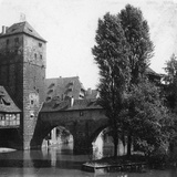 Henkersteg (The Hangman's Bridg), Nuremberg, Bavaria, Germany, C1900s Reproduction photographique par  Wurthle & Sons
