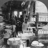 Firing Tableware in the Noted Pottery Centre, Trenton, New Jersey, USA, Early 20th Century Lámina fotográfica
