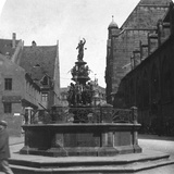 Tugendbrunnen, Nuremberg, Bavaria, Germany, C1900 Reproduction photographique par  Wurthle & Sons
