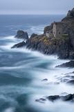 Abandoned Ruin of Tin Mine Engine House on the Cornish Cliffs Near Botallack, Cornwall, England Valokuvavedos tekijänä Adam Burton