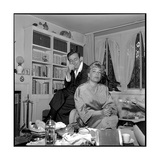 Simone Signoret and Her Husband Yves Montand Fotoprint van Marcel Begoin