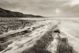 Stormy Evening at Kilve Beach on the Somerset Coast, Somerset, England. Winter (January) Reproduction photographique par Adam Burton