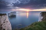 Sunrise over Old Harry Rocks, Jurassic Coast, Dorset, England. Spring Reproduction photographique par Adam Burton