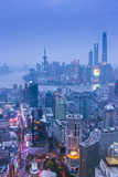 Pudong Skyline and East Nanjing Road, Shanghai, China Fotografie-Druck von Jon Arnold