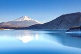 Mountain Fuji in Winter Fotografisk tryk af  Torsakarin