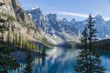 Moraine Lake Fotografisk tryk af  darlenemunro