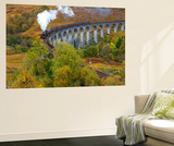 Jacobite or Harry Potter Steam Train Crossing Glenfinnan Viaduct, Lochaber Seinämaalaus tekijänä Peter Adams