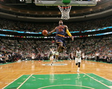 Cleveland Cavaliers v Boston Celtics - Game Three Foto von Nathaniel S Butler