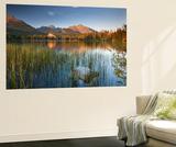 Strbske Pleso Lake in the Tatra Mountains, Slovakia, Europe. Autumn Poster géant par Adam Burton