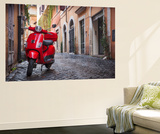 Italy, Lazio, Rome, Trastevere, Red Vespa Bildtapet av Jane Sweeney