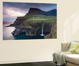 Dramatic Coastal Scenery at Gasadalur on the Island of Vagar, Faroe Islands. Spring Poster géant par Adam Burton