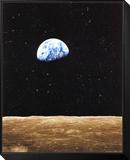 Salida de la Tierra desde la luna Lámina montada y enmarcada