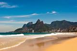Ipanema Beach on Sunny Summer Day Impressão fotográfica por  dabldy