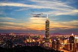 Taipei, Taiwan Evening Skyline. Lámina fotográfica por  NicholasHan