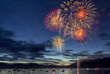 4th of July Fireworks over Whitefish Lake in Whitefish, Montana Stampa fotografica di Chuck Haney