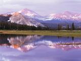 California, Sierra Nevada, Yosemite National Park, Lembert Dome on Tuolumne River Fotografisk trykk av Christopher Talbot Frank