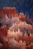 Utah, Bryce Canyon National Park, Hoodoos in Bryce Amphitheater Reproduction photographique par David Wall