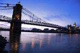 Historic Bridge in Cincinnati Reproduction photographique par  benkrut
