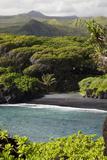 Hawaii, Maui, Hana, the Black Sand Beach of Waianapanapa Fotografisk trykk av  Design Pics Inc