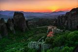 Sunsets over Monasteries Built into Sandstone Pillars Fotografisk tryk af Babak Tafreshi