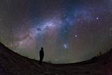 A Stargazer Watches the Southern View of the Milky Way Fotografie-Druck von Babak Tafreshi