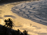 Icapui Beach, with People Fishing and Playing at Sunset Reproduction photographique par Alex Saberi