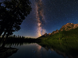 The Milky Way Shines over the Teton Range Fotografie-Druck von Babak Tafreshi