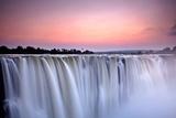 Victoria Falls at Dusk from Zimbabwe Fotografisk tryk af  2630ben