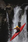 Kayaking over a Waterfall Fotografisk trykk av  DLILLC