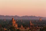 Sunset over Bagan Fotografisk tryk af Jon Hicks