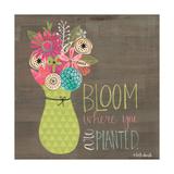 Flor Póster por Katie Doucette