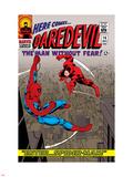Daredevil No.16 Cover: Spider-Man and Daredevil Charging Targa di plastica di John Romita Sr.