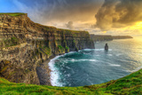Cliffs of Moher at Sunset, Co. Clare, Ireland Fotografie-Druck von Patryk Kosmider