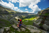Hiker on Mountain - Ordesa Y Monte Perdido, Pyrenees, Spain Fotografisk trykk av  EvanTravels