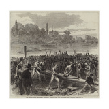The International University Boat-Race, the Harvard Crew Returning from Practice Gicléetryck av Hopkins, Arthur