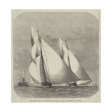 Royal Thames Yacht Club Schooner and Yawl Race, the Egeria and Gwendoline in Sea Reach Reproduction procédé giclée par Edwin Weedon
