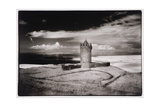 Doonagore Tower, Co. Clare, Ireland Impressão giclée por Simon Marsden